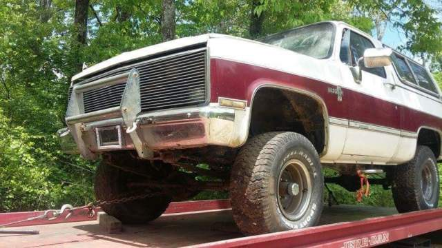 1986 Chevrolet Other Pickups Red