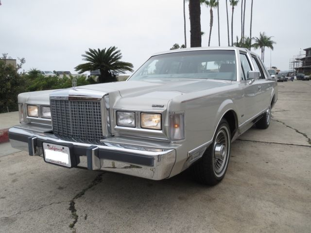 1986 Lincoln Town Car Cartier