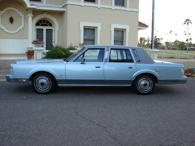 1986 Lincoln Town Car Base Sedan 4 Door 5 0l For Sale