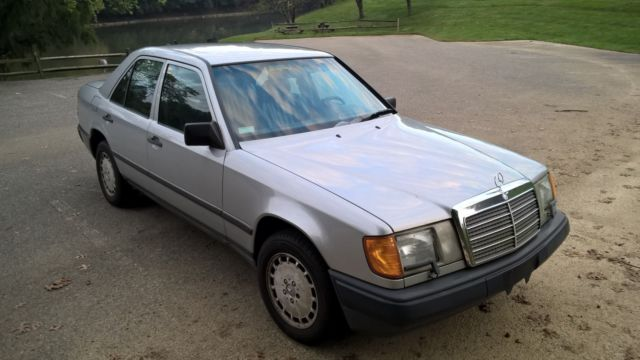 1986 Mercedes-Benz 300E 5 Speed