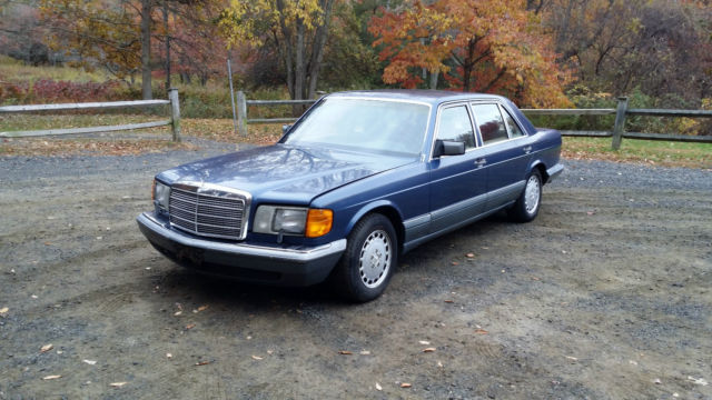 1986 Mercedes-Benz 400-Series