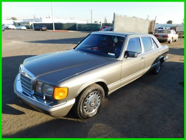 1986 Mercedes-Benz 500-Series 4 Dr
