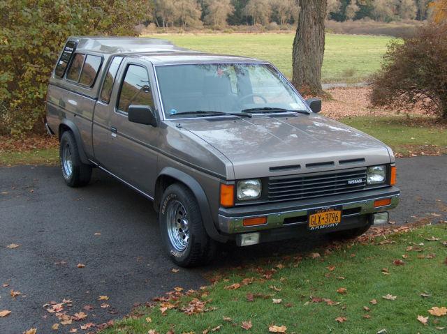 1986-nissan-d-21-hardbody-pickup-fully-l