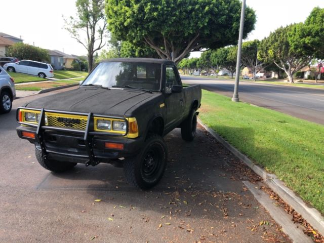 1986 Nissan Pickup 720 4X4 for sale: photos, technical