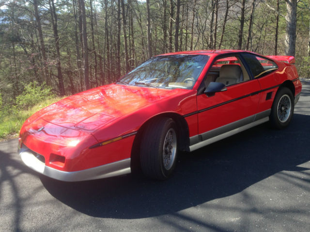 1986 Pontiac Fiero GT Coupe