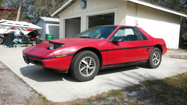 1986 Pontiac Fiero Sport Coupe 2-Door