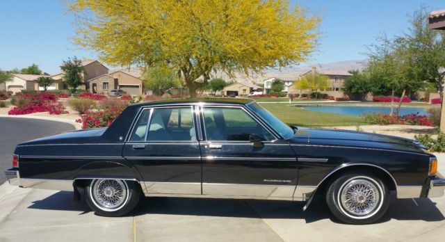 1986 Pontiac Catalina 4 door Parisienne
