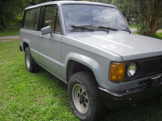 1986 Isuzu Trooper std