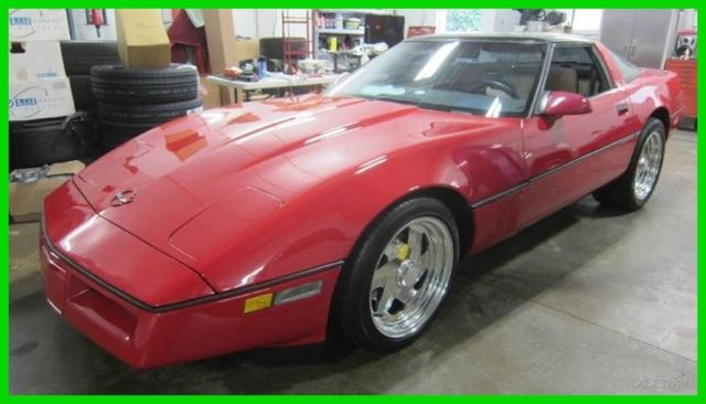 1987 Chevrolet Corvette Base 2dr Hatchback