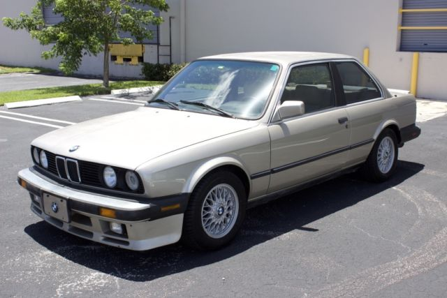 1987 BMW 3-Series 325iS E30