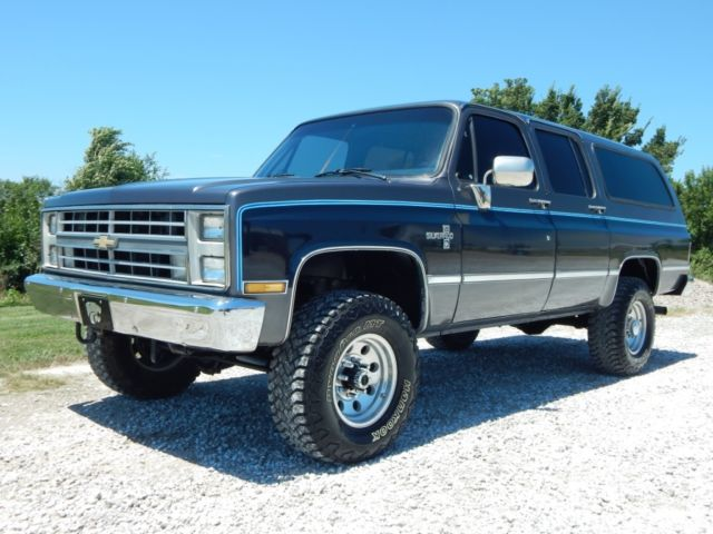 1987 chevrolet 2500 suburban fuel injected 350 v 8 lifted rust free truck for sale photos. Black Bedroom Furniture Sets. Home Design Ideas