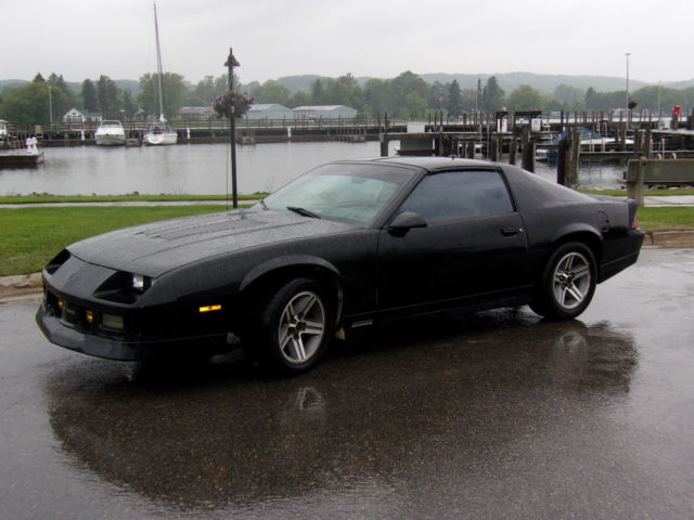 camaro iroc z for sale in michigan autos post. Black Bedroom Furniture Sets. Home Design Ideas