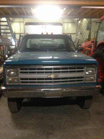 1987 Chevrolet C/K Pickup 3500 flat bed