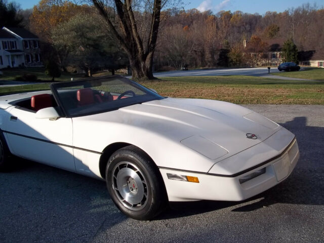 1987 White Chevrolet Corvette Convertible with Red interior