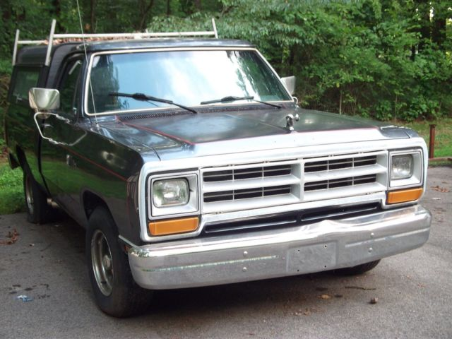 1987 Dodge Ram 1500 short bed