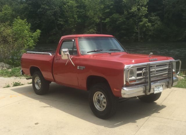 1987 Red Dodge Other Pickups 1/2 Ton Standard Cab Pickup with Blue interior