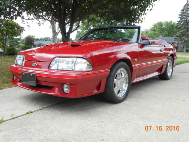 1987 Ford Mustang CONVERTIBLE
