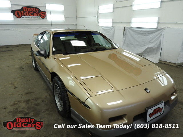 1987 Pontiac Fiero Runs Drives Body Inter Vgood 2.8L V6 3 spd auto