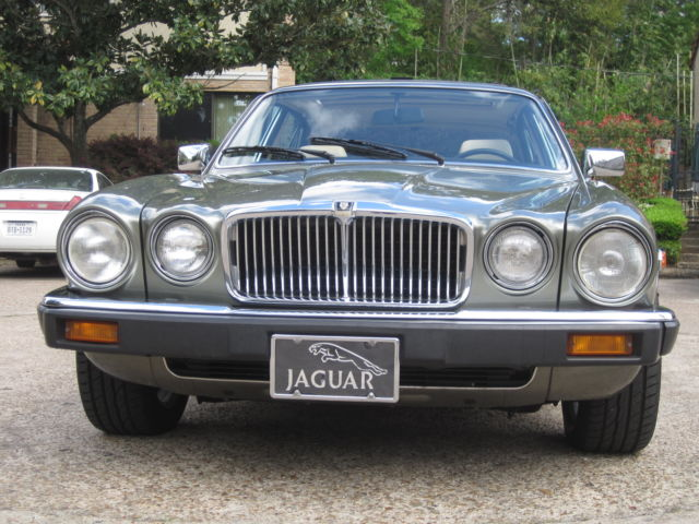 1987 jaguar xj6 vanden plas series iii for sale photos technical specifications description. Black Bedroom Furniture Sets. Home Design Ideas