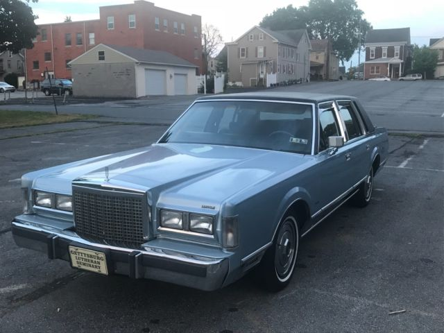 1987 Lincoln Town Car Base