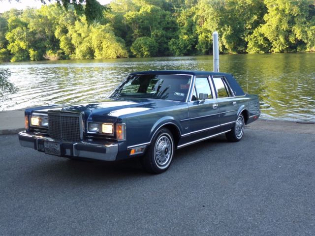 1987 Lincoln Town Car One Owner Original 83 250 Miles For Sale