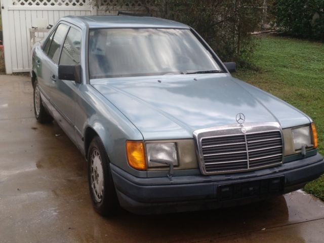 1987 Mercedes-Benz 300-Series _