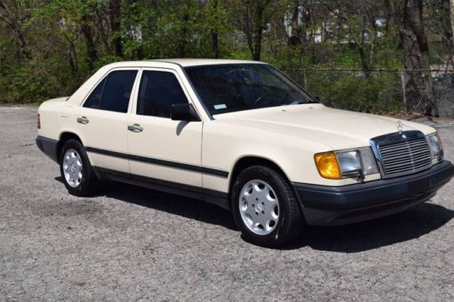 1987 Mercedes-Benz E-Class 300E 4dr Sedan Sedan 4-Door Automatic 4-Speed