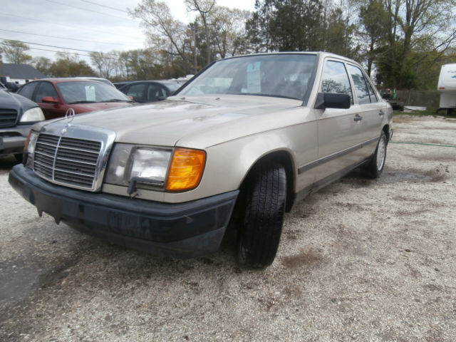 1987 Mercedes-Benz 300-Series 1987 Mercedes-Benz 300DTurbo Sedan 3.0L Bio Diesel