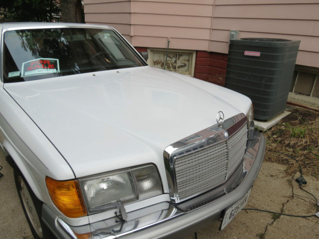 1987 Mercedes-Benz 400-Series