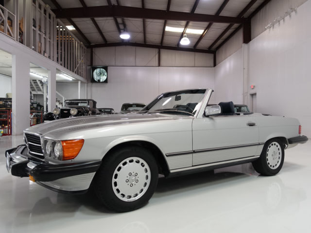 1987 Mercedes-Benz 500-Series 560SL Roadster