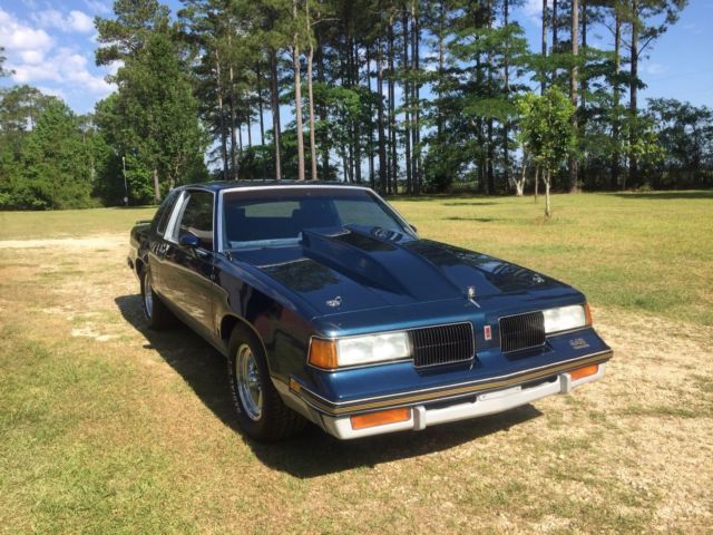 1987 Oldsmobile 442 Grey