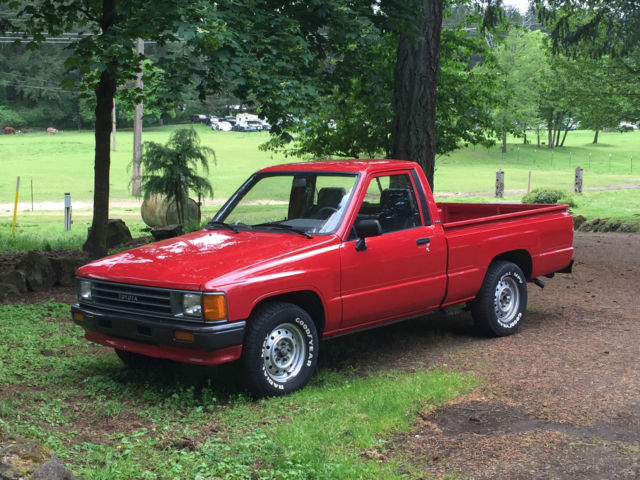 1987 Toyota Pickup Base Standard Cab Pickup 2 Door 2 4l