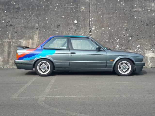 1988 BMW M3 E30  320is European Spec