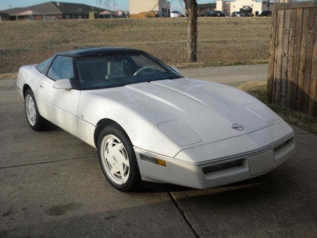 1988 Chevrolet Corvette 35TH ANNIVERSITY