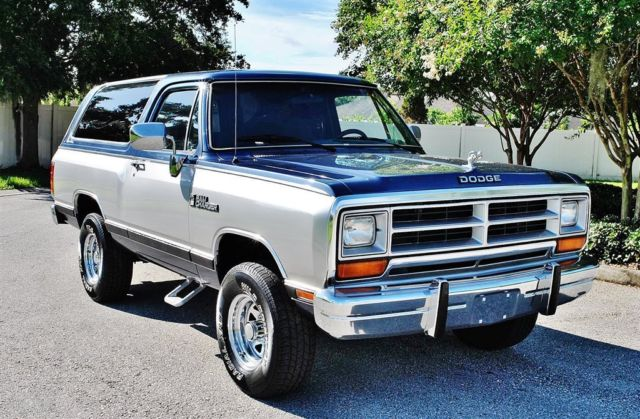 1988 Dodge Ramcharger Custom S 4x4 Air Conditioning