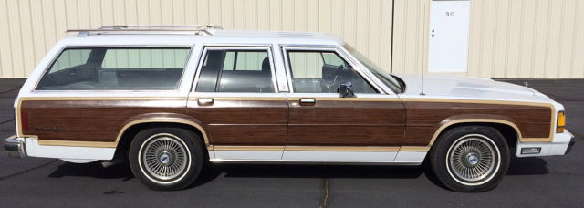 1988 Ford Country Squire Wagon