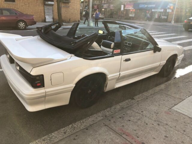 1988 White Ford Mustang Convertible with White interior