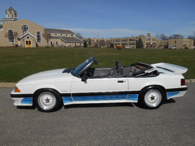 1988 Ford Mustang LX Convertible 2-Door