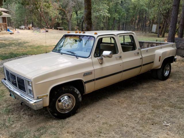 1988 GMC R30 3500 Crew Cab square body Dually 3+3 Sierra Classic