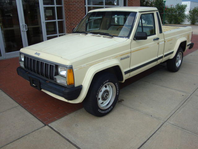 1988 Jeep Comanche PIONEER SHORT BOX 2WD