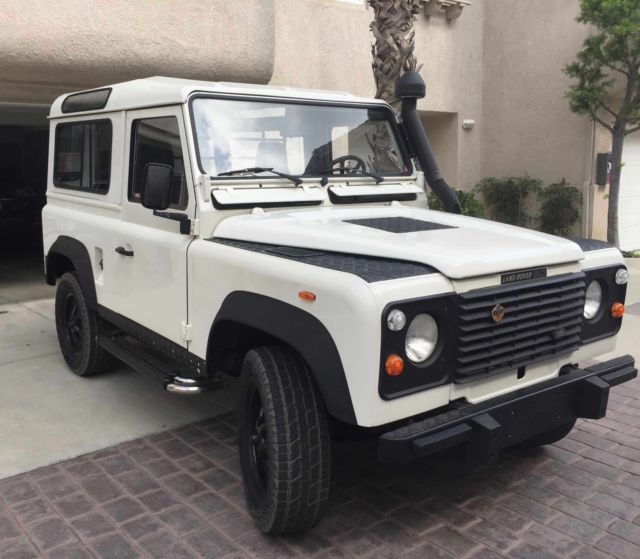 1988 Land Rover Defender 2 Doors HT