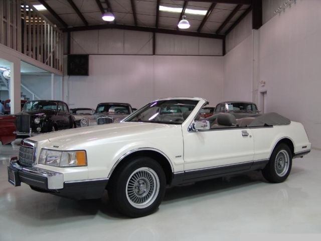1988 Lincoln Mark Series LSC Sedan 2-Door