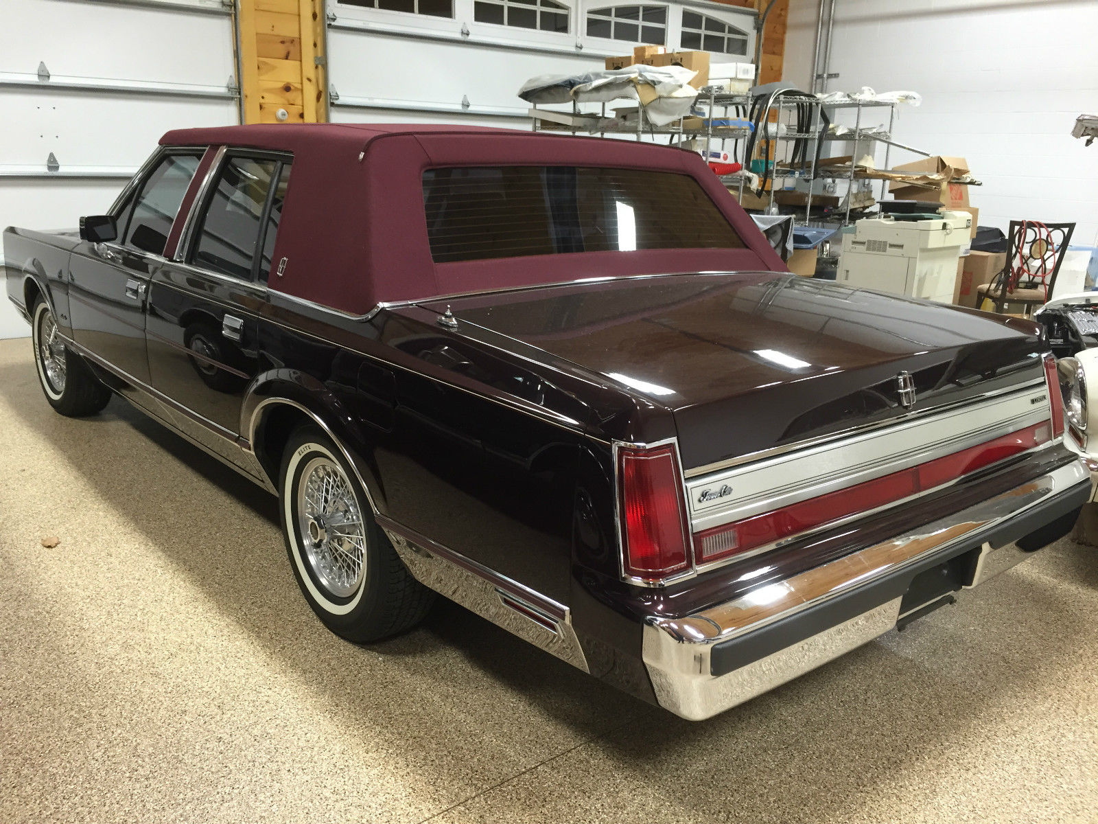 1988 lincoln town car for sale photos technical specifications description. Black Bedroom Furniture Sets. Home Design Ideas