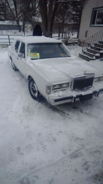 1988 Lincoln Town Car Formal Edition