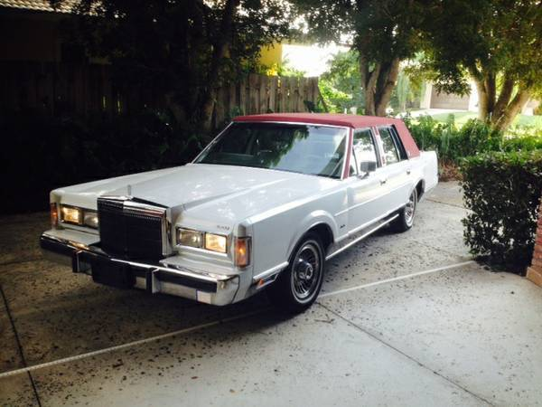 1988 Lincoln Town Car Signature Series Excellent Condition For Sale