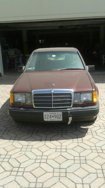 1988 Mercedes-Benz 300-Series E