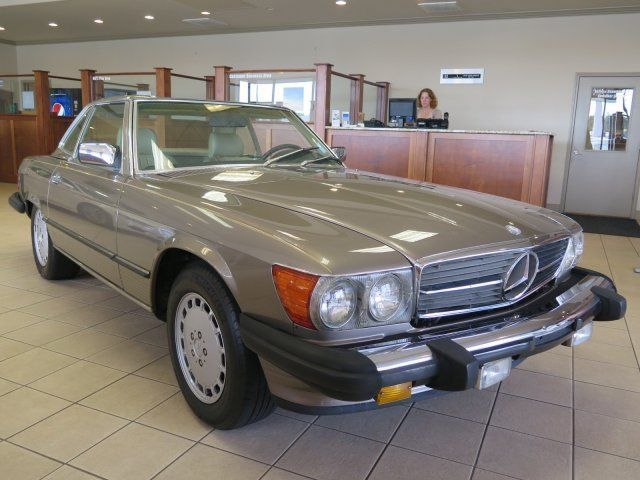 1988 Mercedes-Benz 560 SL LEATHER