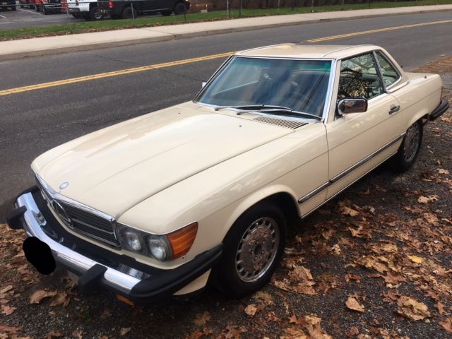 1988 Tan Mercedes-Benz 500-Series Convertible with Brown interior