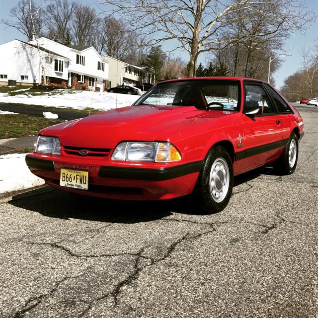1988 Ford Mustang LX Hatchback 2-Door