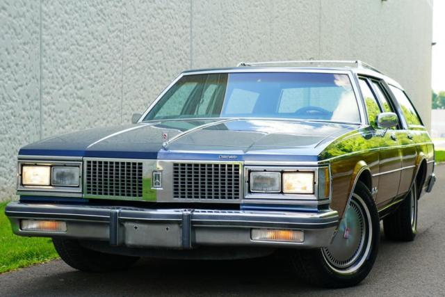 1988 Oldsmobile Custom Cruiser Station Wagon SUPER CLEAN DRIVES GREAT